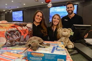 Los gimnasios DiR recolectan juguetes para la Cruz Roja