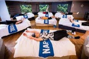 David Lloyd propone una clase de ejercicio y siesta