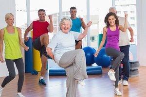 Zumba presentó un programa para adultos mayores