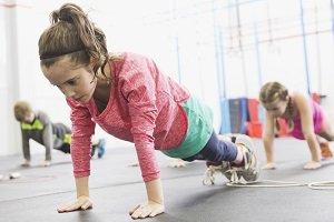 HIIT y nutrición para prevenir la obesidad en escolares