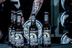 Lanzan cerveza proteica sin alcohol para amantes del fitness