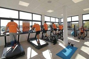 En España instalan gimnasio en una estación de servicio